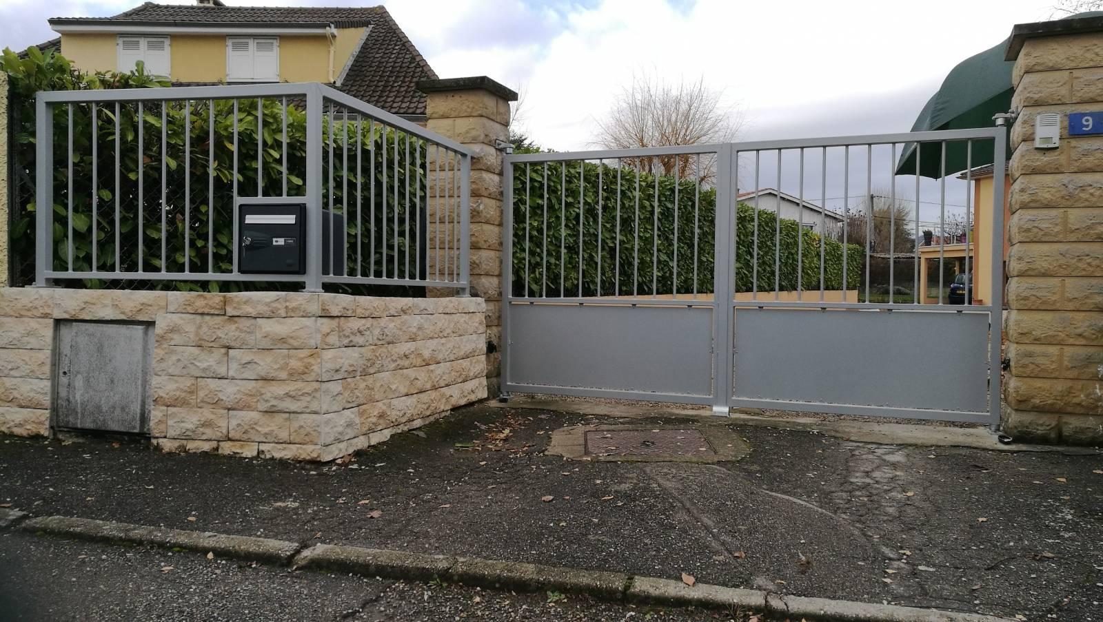 R alisation de portail et cl ture sur la commune de craponne for Portail cloture
